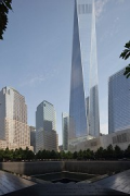 9/11 Memorial: Südlicher Pool mit One World Trade Center, Bild 2