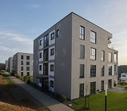 Jürgen-Dietrich-Weg: foot-way with all four apartment-buildings
