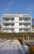 Jürgen-Dietrich-Weg: apartment-building at the playground