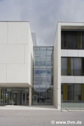 New Chemistry, JLU Gießen: main-entrance; photo: Mehl (demo)