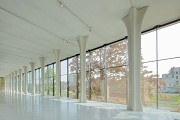 Musée La Boverie: the inner cross-pillars brace the building for seismologic reasons