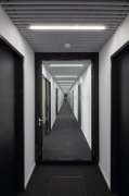 Saint-Gobain: floor-center fire-door