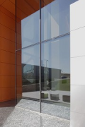 Schlüter-Systems Workbox: reflection of water-surface at main-entrance