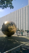 "UN-Headquarter: General Assembly Building with sculpture ""Sphere Within Sphere"""