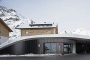 Arlberg1800: The concert hall's entrance is from outside visible, only
