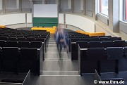 BFS, JLU Giessen: ground floor, big lecture hall, aisle with ghost (photo: Lefarth)