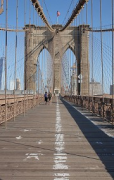 Brooklyn Bridge: pedestrian catwalk, median on wood
