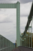 Rodenkirchen bridge: slope-detail at midstream with pylon
