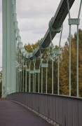 Rodenkirchen bridge: slope-detail at midstream, zoomed