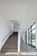 Philosophikum II: lobby, empty staircase (photo: Maurer)