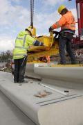 Rhine-boulevard: a vacuum-carrier is lifting the precast-elements 6