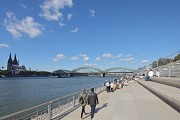 Rhine-boulevard: promenade in use