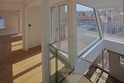 Röte-streetquarter-housing, historic refurbishment: roof-top-flat gallery-access