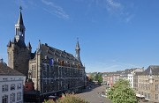 Aachen town-hall: elevated market-place view from North